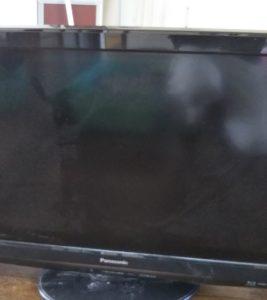 東久留米市の部屋にあった液晶テレビ
